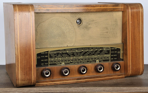 Absolument Unic Radio (1955) : Bluetooth aptX