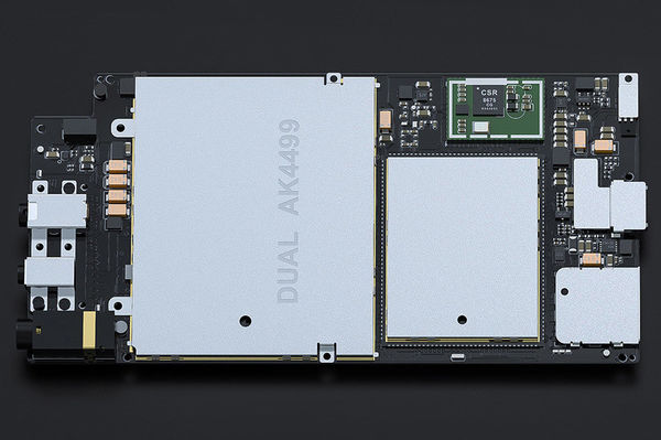 FiiO M15 elektronisk kort og køleplader