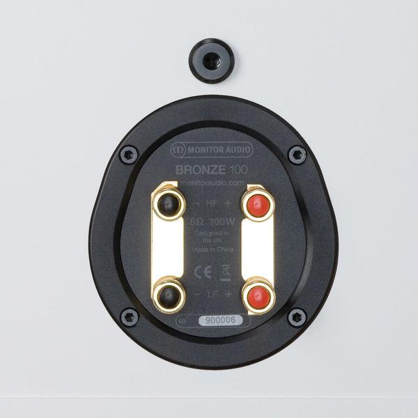 Monitor Audio Bronze 100 : borniers plaqués or compatibles bi-câblage et bi-amplification