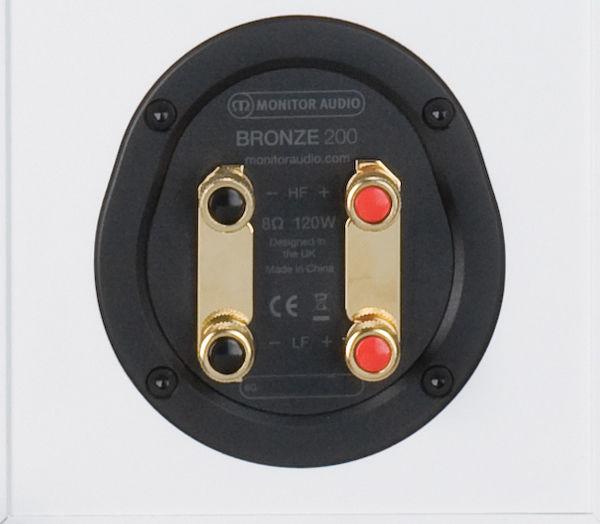 Monitor Audio Bronze 200 : borniers plaqués or compatibles bi-câblage et bi-amplification
