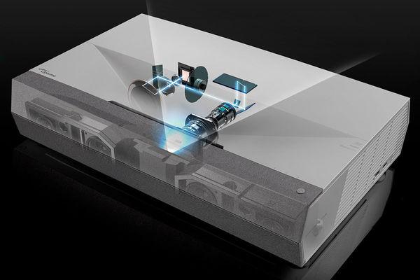 Le vidéo projecteur ultra courte focale Optoma CinemaX P2 dispose d'une puissante lampe laser qui lui offre une luminosité de 3000 lumens.