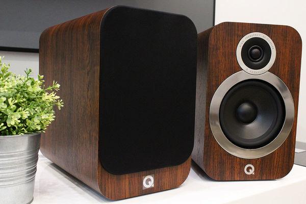 Mise en situation des enceintes Q Acoustics 3030i