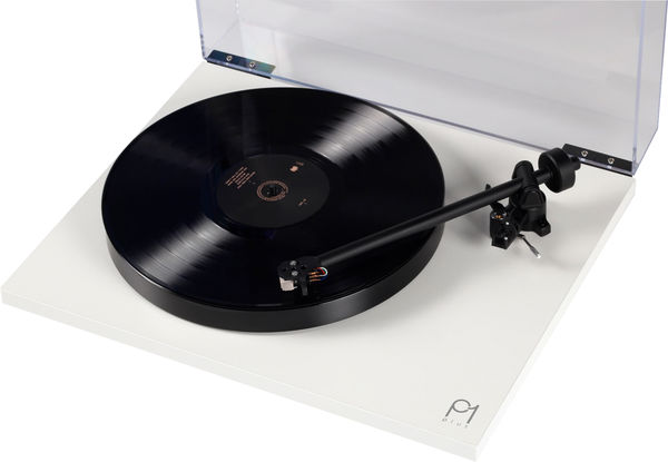 Le bras RB110 de la platine vinyle Rega Planar 1