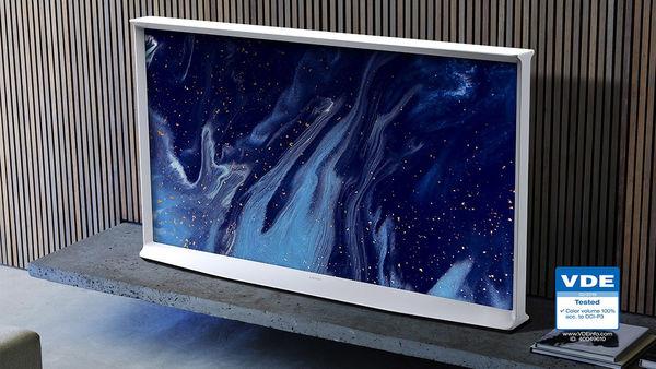 """Samsung Serif QLED 50"""" : large espace colorimétrique"""