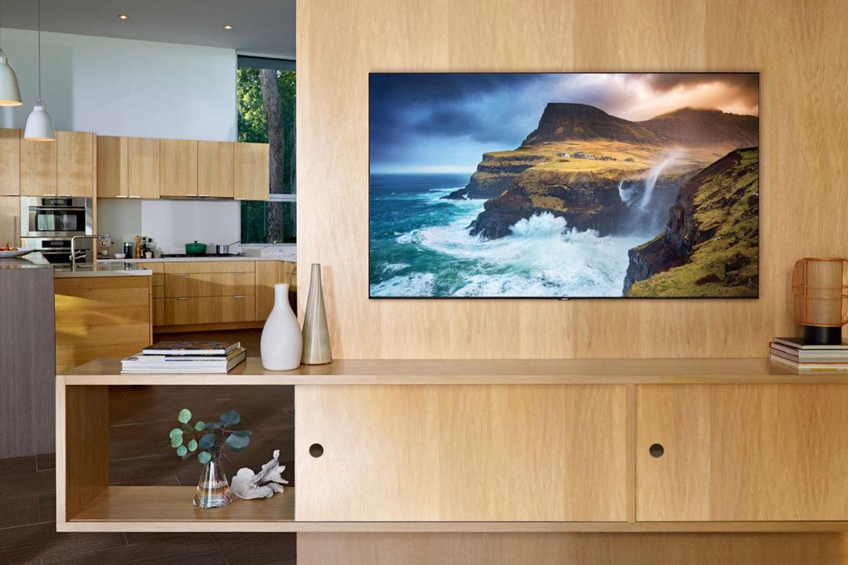 Samsung QE82Q70R : TV LCD QLED