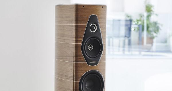 L'enceinte Sonus Faber Olympica Nova II adopte une esthétique soignée et des haut-parleurs haut de gamme