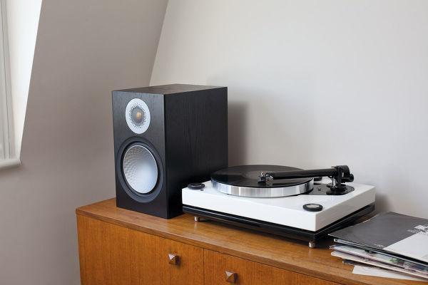 Monitor Audio Silver 100 : tweeter C-CAM Gold et haut-parleur de grave-médium de 20 cm de diamètre.