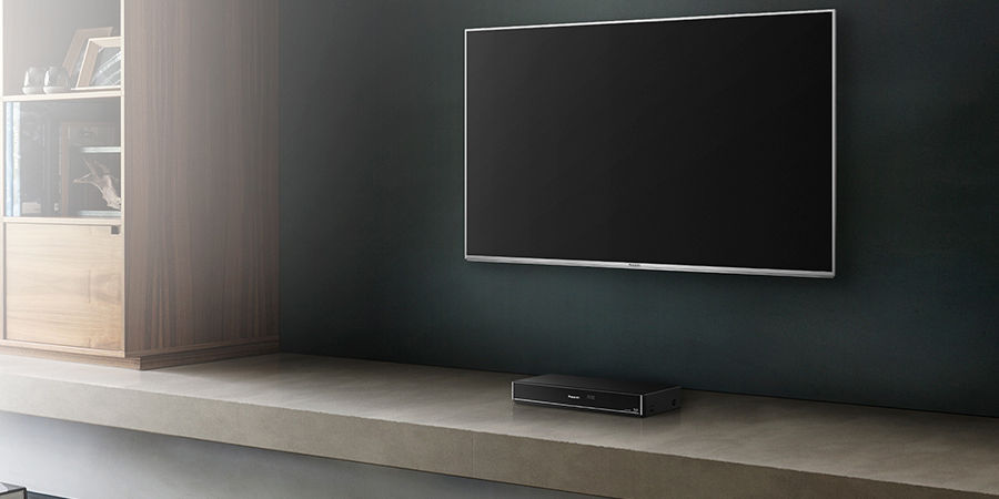 Enregistreur vidéo et TV LED dans un salon