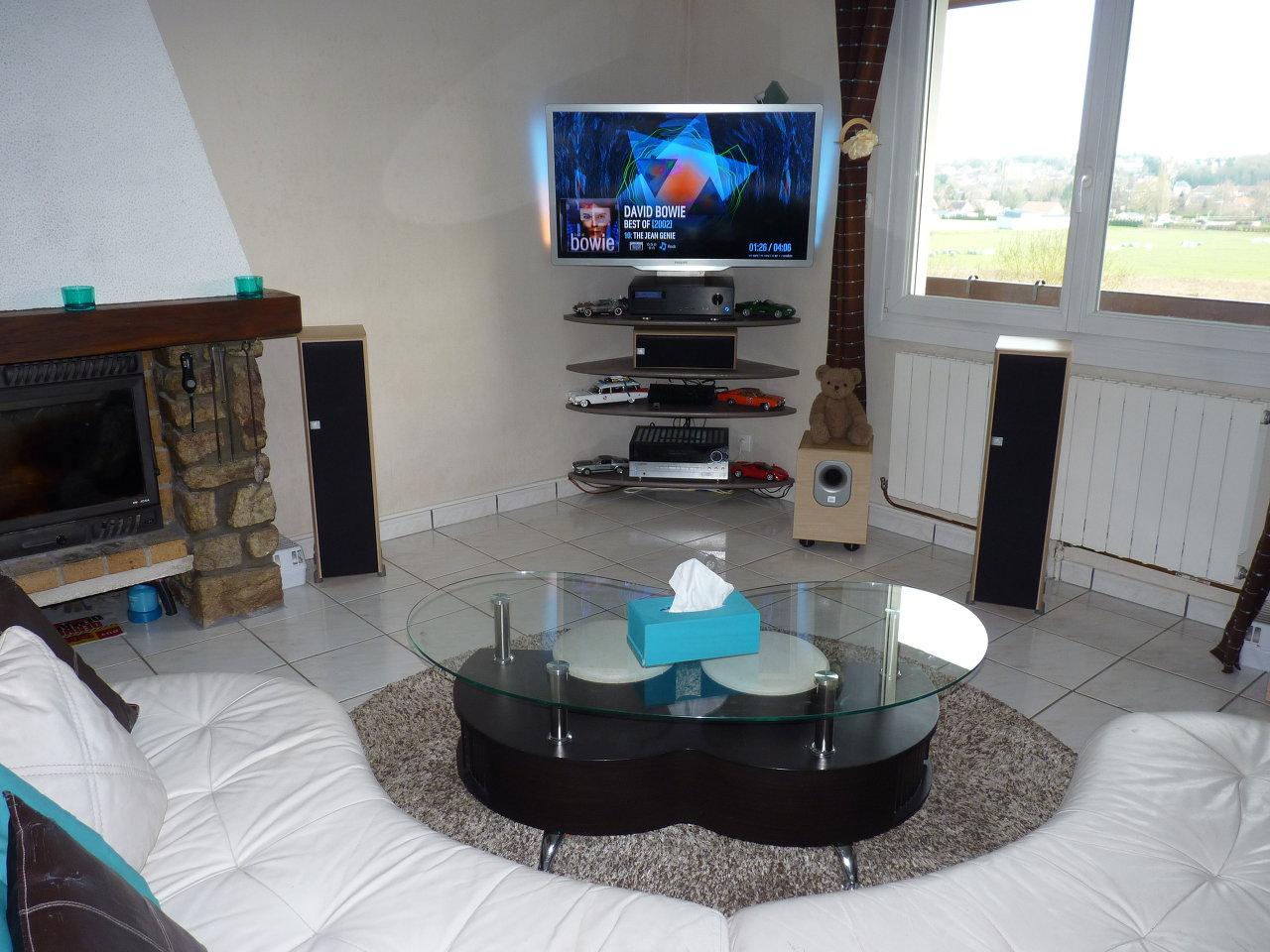Installation Home Cinema De Sebastien T  # Meuble Tv Avec Emplacement Pour Enceinte Centrale